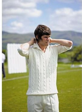 Finden Hales Sleeveless cricket sweater